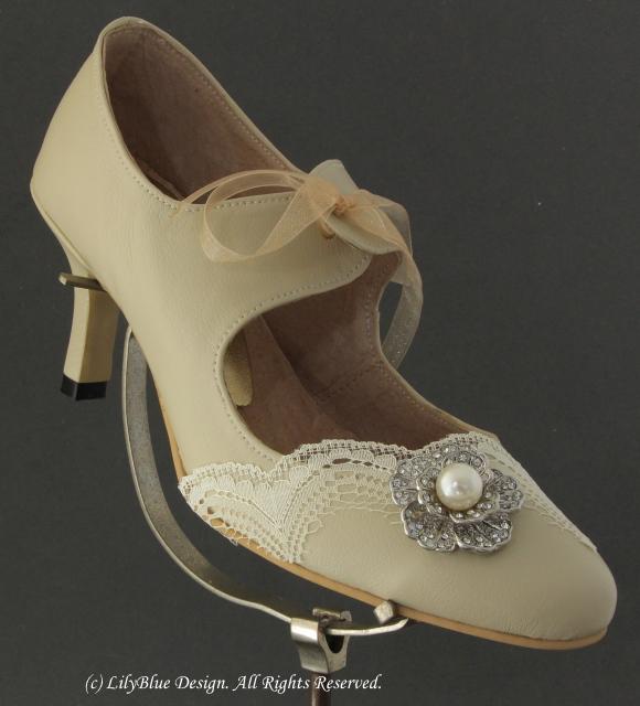 SH001 – Nini Handmade Wedding Shoe